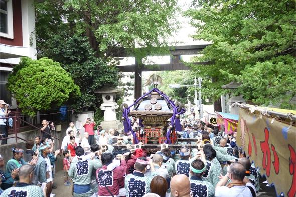 諏訪神社御神幸大祭午前の部