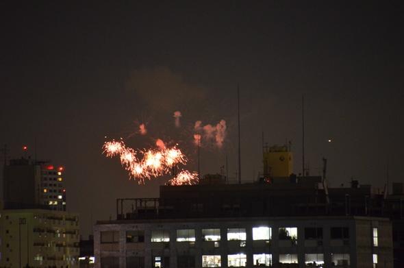 サウンズテラスから見る神宮外苑花火大会