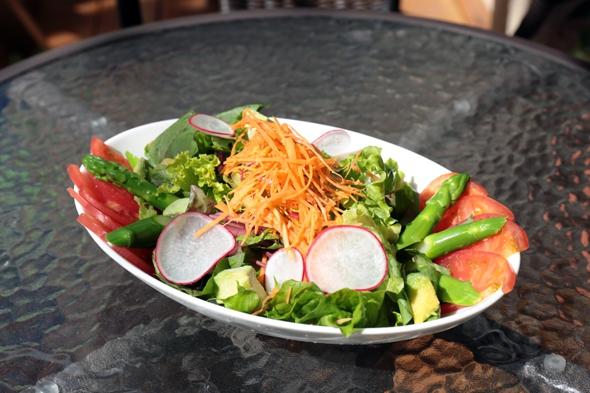 産直野菜のサラダ