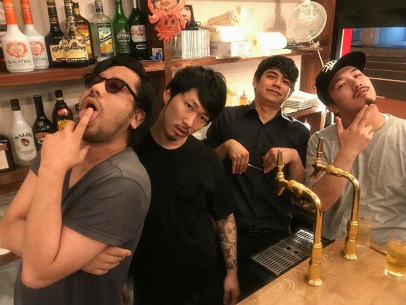 西早稲田3丁目・たこ焼きバー「口中ズルムケBAR お前まんまるやん!」